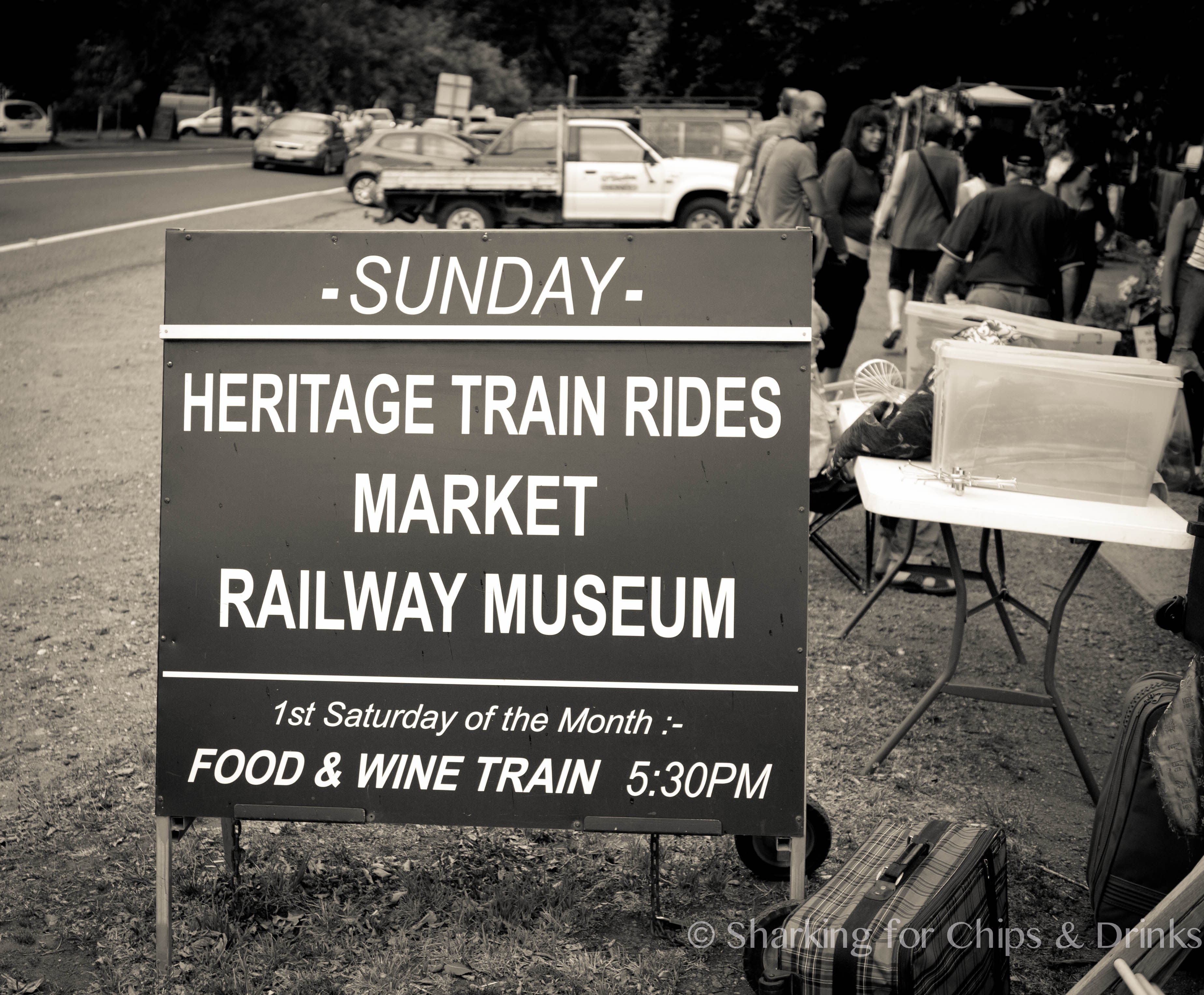 how to get to daylesford by train